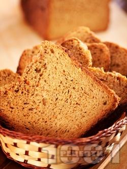 Шведски ръжен пълнозърнест хляб с меласа, моркови и прясно мляко (със суха мая) - снимка на рецептата